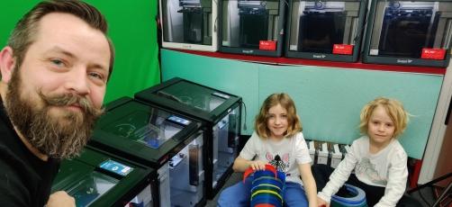 Videnscentret 3D printer værnemidler til sundhedspersonalet