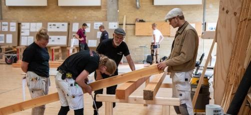 Rejsegilde i Rødovre: Kulmination på samarbejde mellem arkitekt og tømrerelever